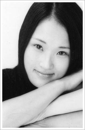 이선아-프로필 사진(흑백)